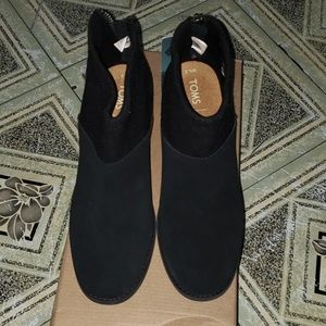 Brand 🆕 Toms Lacy Booties size 6.5
